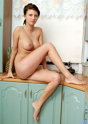 Girls Kitchen Porn Pictures